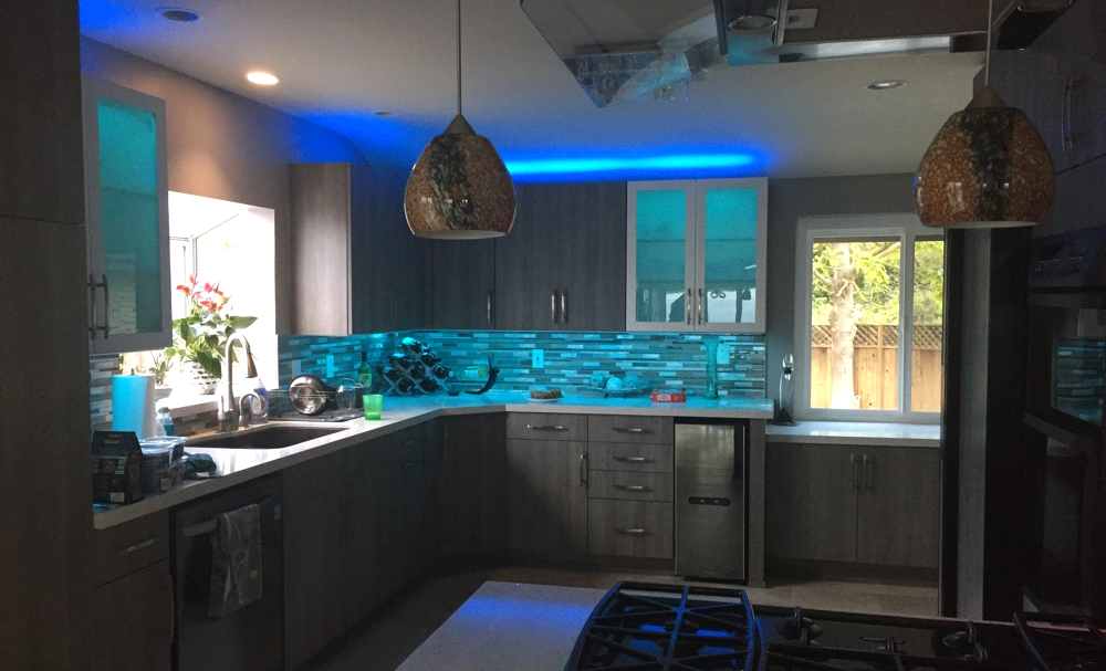 Lightify-Flex-RGBW-Strip-Lights_Kitchen-Lighting